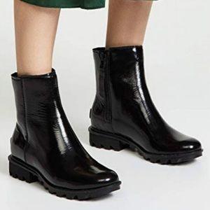 SOREL black Phoenix zip boots size 6.5